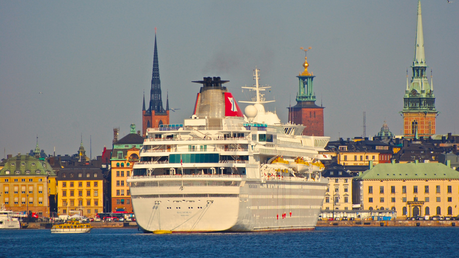 Cruise vessel in the central part of Stockholmn