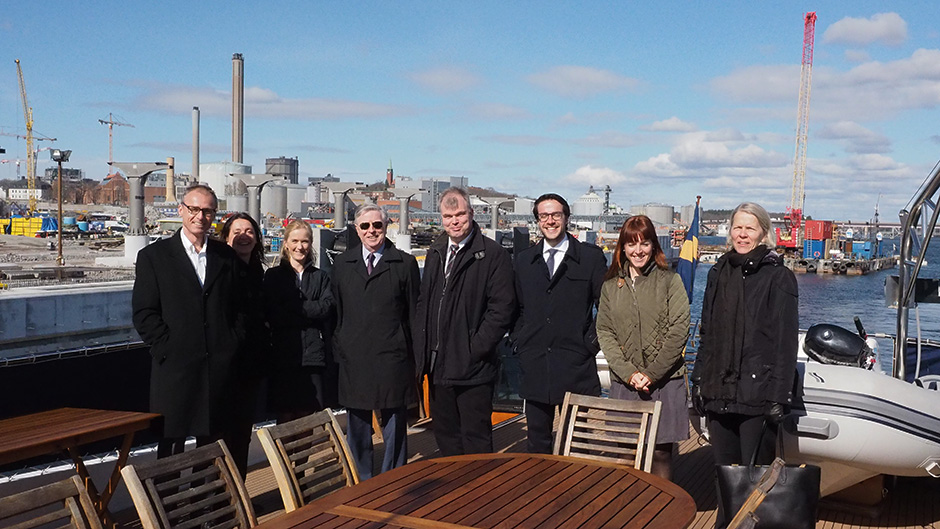 Pat Cox and representatives from Ports of Stockholm at the construction site of the new Värta pier