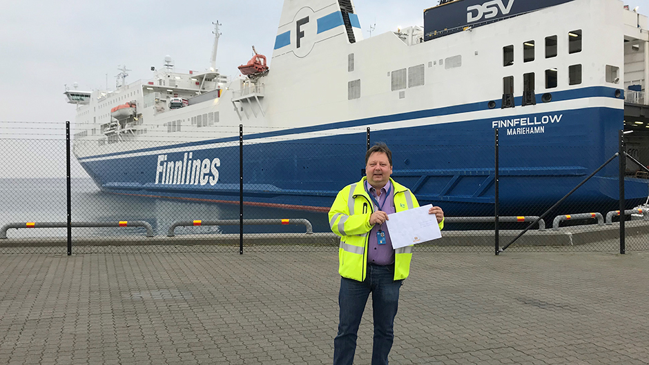 Technical Operations Manager Port of Kapellskär on the quay in front of the vessel Finnfellow